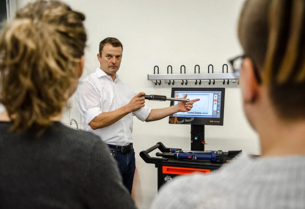 Fastener Engineer education of the German Fastener Association (DSV) - module 3 - machine and process capability